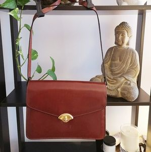 Handbags - Vintage Burgundy purse